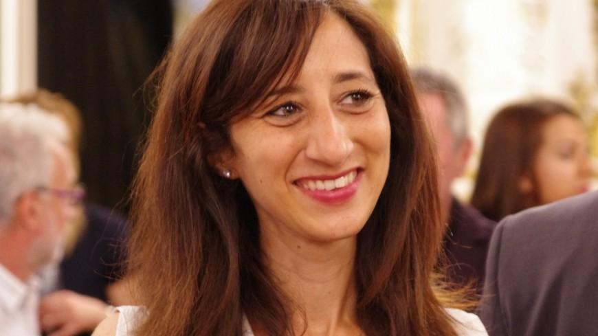 Accusée par ses adversaires de distribuer illégalement des tracts, Anissa Khedher dément