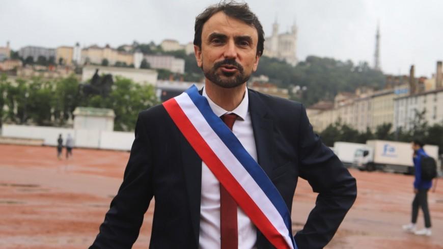 Grégory Doucet apaise la grogne des agents de la Ville de Lyon en contrant la loi de transformation de la fonction publique