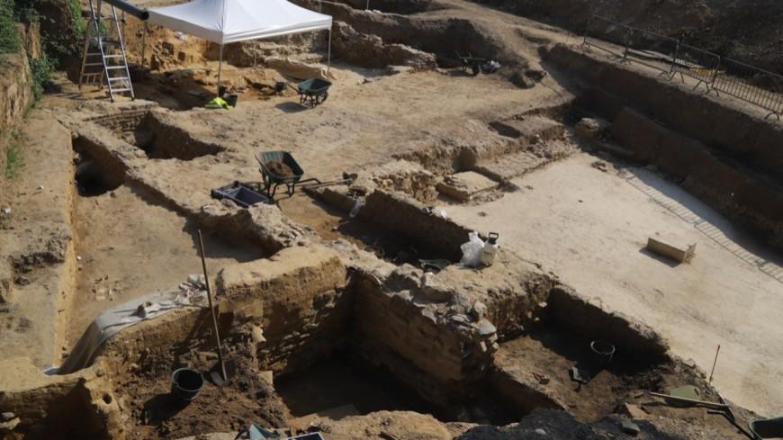 Près de Lyon : 8000 squelettes découverts sur le chantier d'un parking