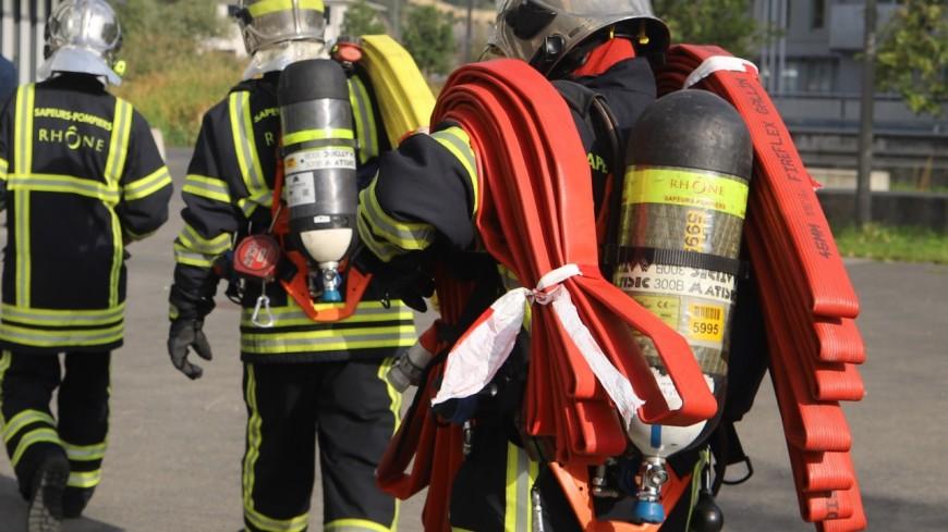 Près de Lyon : une matinée pour venir à bout d'un incendie sur un site Seveso