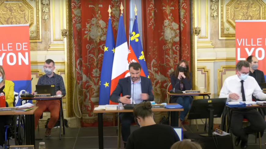 """La Ville de Lyon se dote, dans la douleur, d'un """"comité consultatif de déontologie et de transparence des élus"""""""