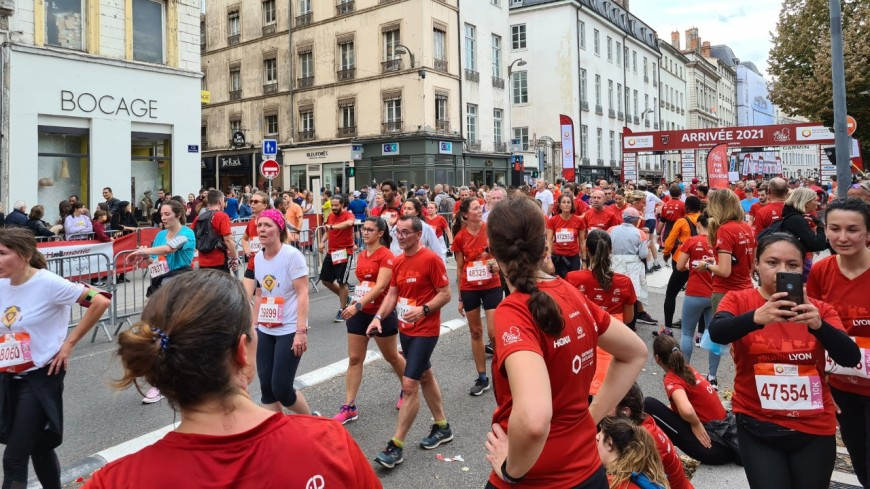 Un Caladois remporte le marathon : découvrez le palmarès du 11e Run in Lyon