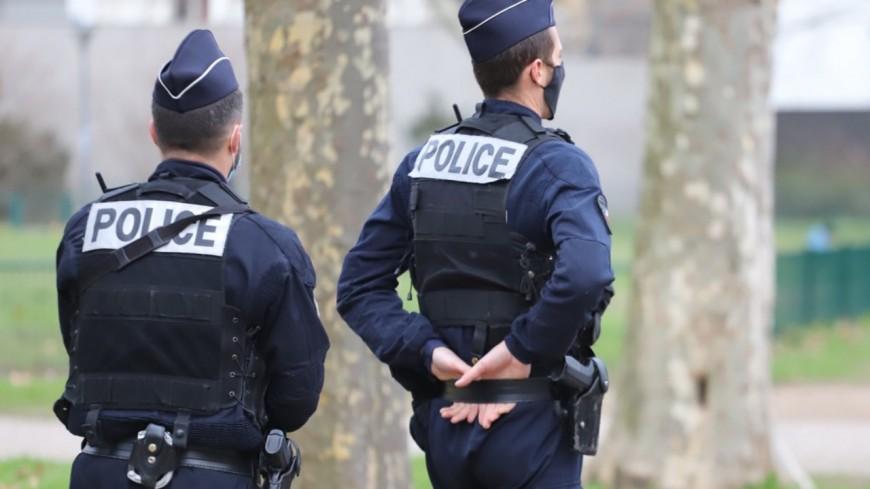 Vénissieux : les policiers interpellent difficilement un dealer en pleine transaction
