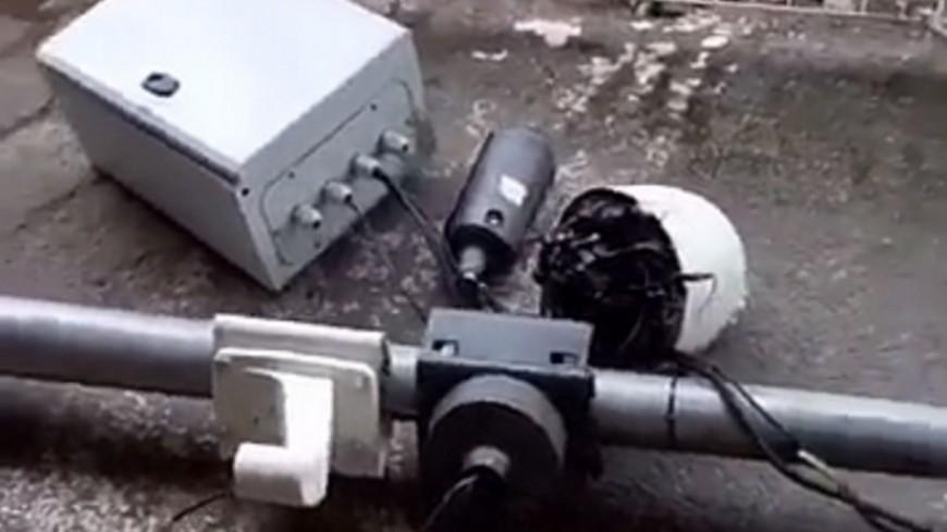 Bron : ils scient le mât d'une caméra de surveillance à l'aide d'une disqueuse