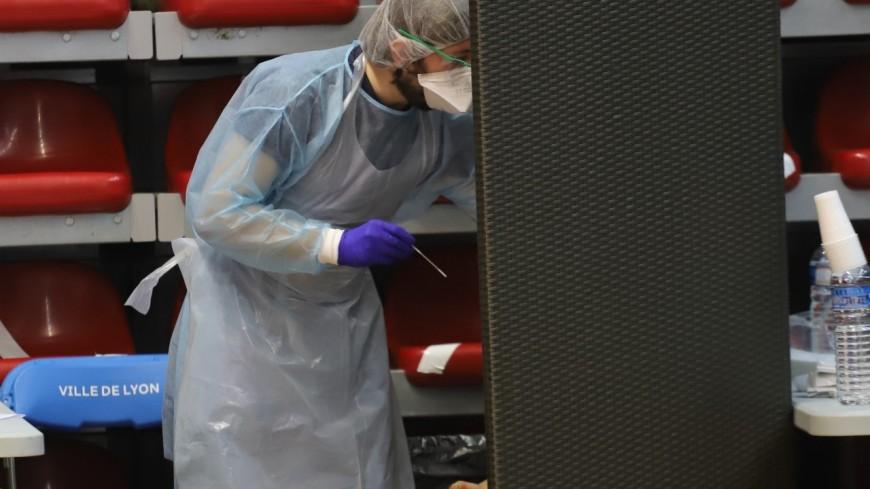 Près de Lyon : il refuse les tests PCR pour éviter l'expulsion