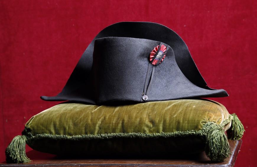 Un chapeau de Napoléon aux enchères à Lyon