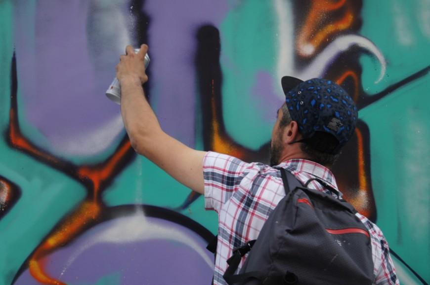 Quadragénaires, ils taguaient un mur à Lyon