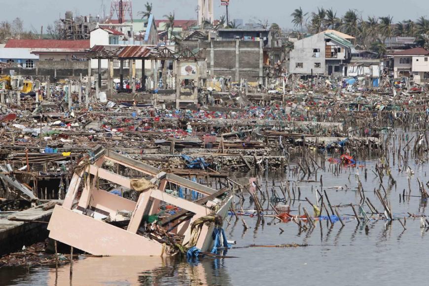 Typhon Haiyan : l'avion spécial va finalement décoller de Lyon mardi
