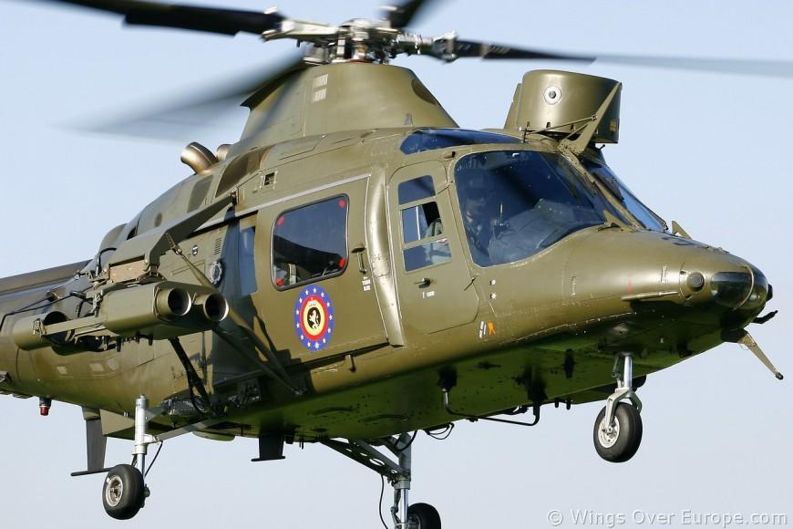Un hélicoptère de l'armée belge se pose en urgence dans le Rhône