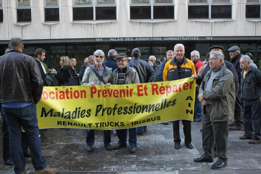 Amiante : des ex-salariés de RVI Vénissieux devant le tribunal