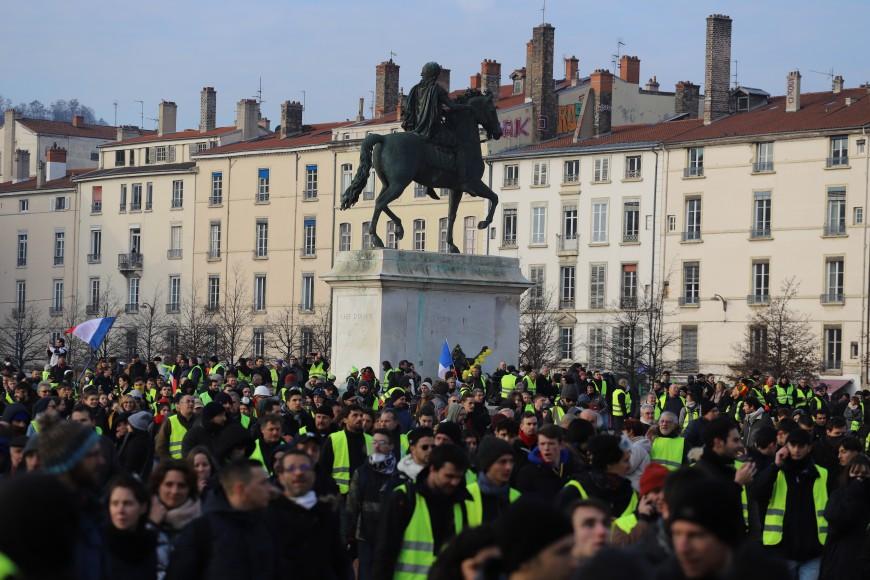 Gilets jaunes, acte X : le centre-ville saturé à Lyon, opération péage gratuit à Tarare et Villefranche (MàJ)