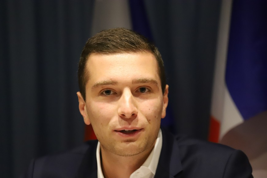 Après l'attaque de Villeurbanne, Jordan Bardella (RN) en visite sur le thème de la politique d'asile