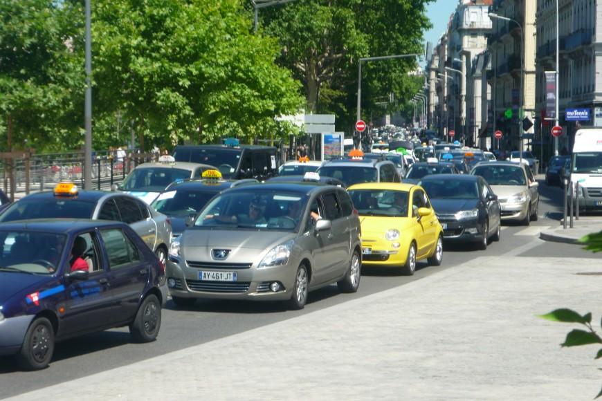 Lyon : les taxis vont manifester lundi