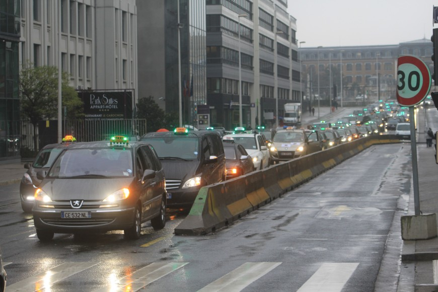 Lyon : attention les taxis vont manifester lundi matin !