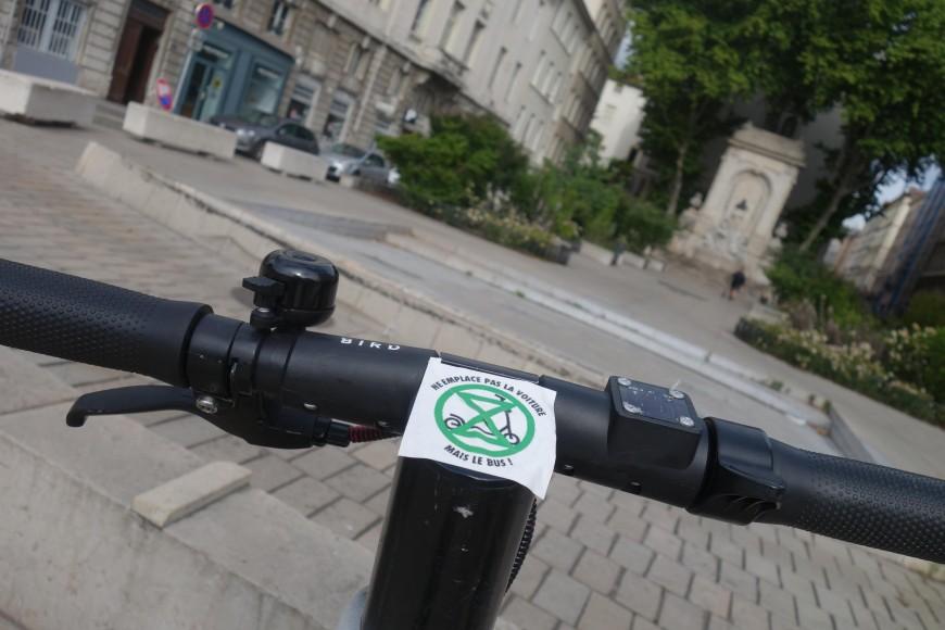 Lyon: 360 trottinettes électriques neutralisées lors d'une opération d'Extinction Rébellion