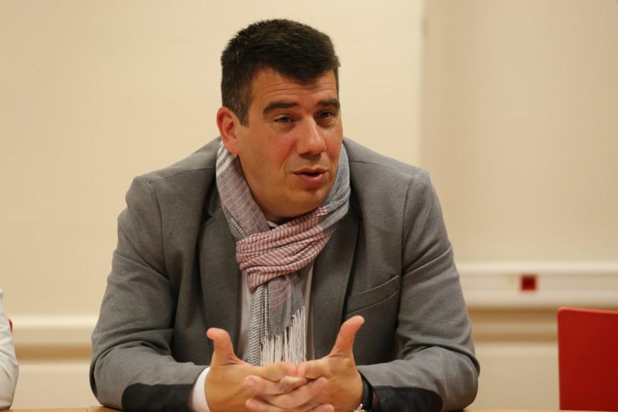 """""""Benchmarking"""" : le rôle de Collomb """"n'est pas de tenir des propos populistes"""", selon le PS du Rhône"""