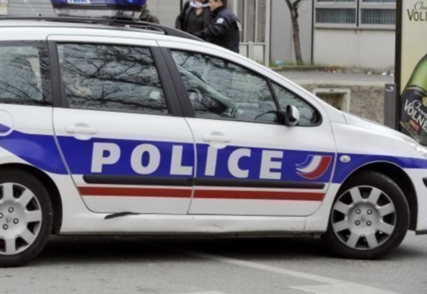 Lyon : un mineur tente de fuir la police au volant d'une voiture volée