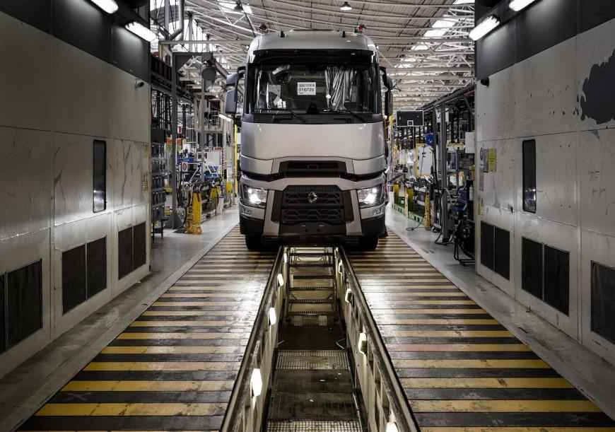 Coronavirus : les usines de Renault Trucks fermées