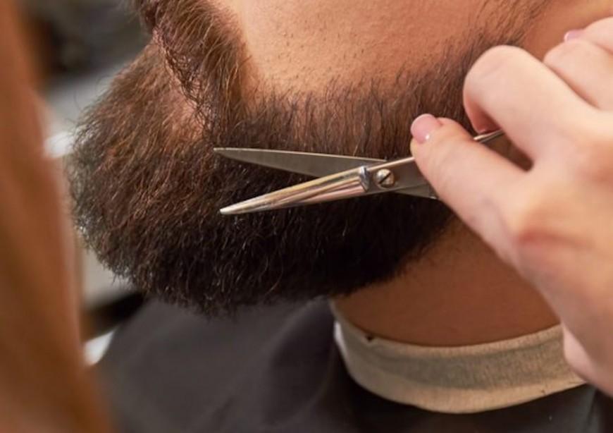 Villefranche : un coiffeur condamné pour avoir fait passer un essai à un étranger sans papier