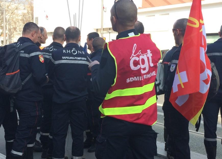 Rhône : 50 sapeurs-pompiers à Paris pour manifester contre la baisse des effectifs