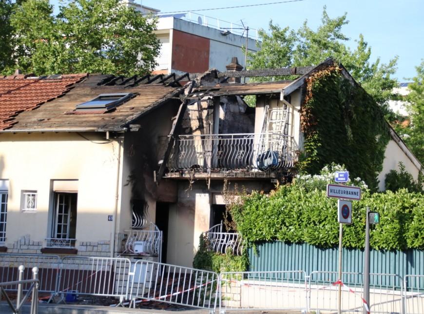 Une maison prend feu à Villeurbanne