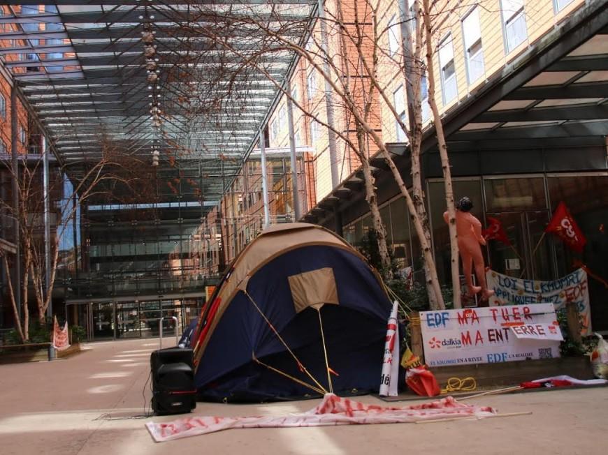Les salariés de Dalkia campent à la cité internationale à Lyon