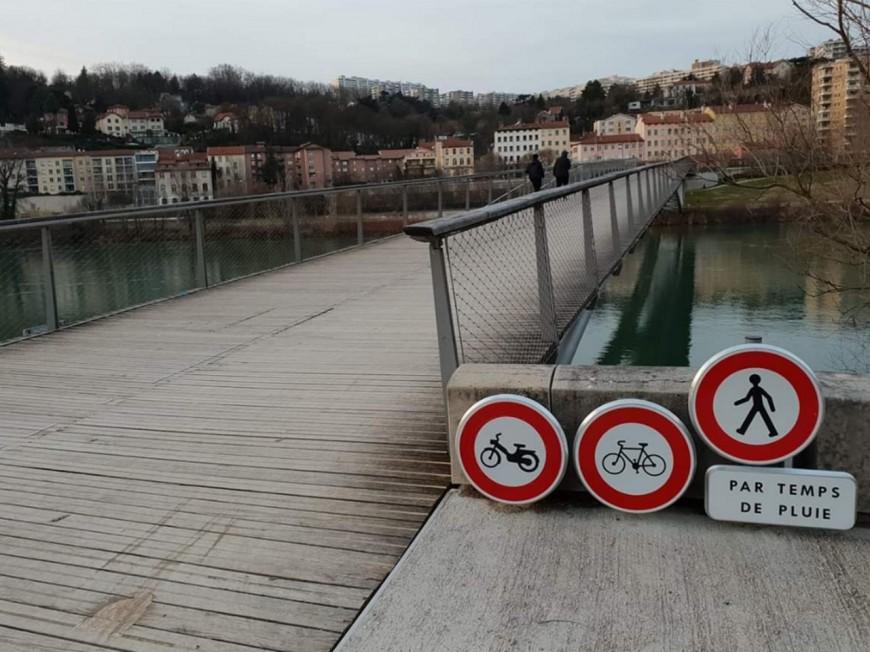 Passerelle de la Paix : la Métropole de Lyon revoit sa signalétique