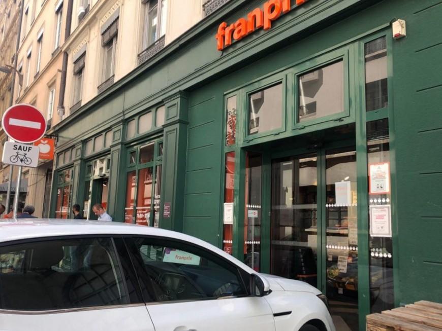 Lyon: les voleuses poignardent un employé d'épicerie