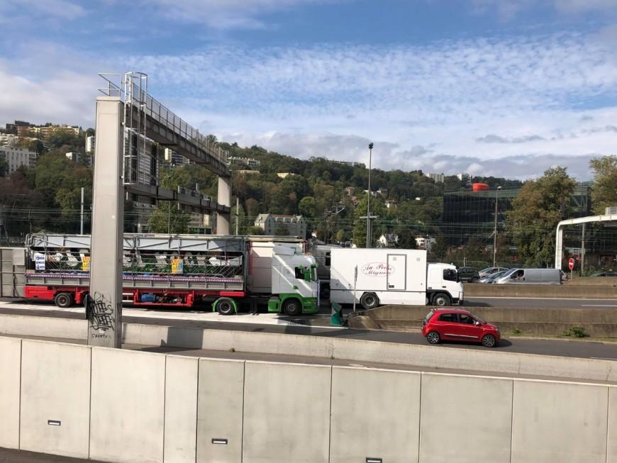 Opération escargot des forains ce vendredi midi à Lyon