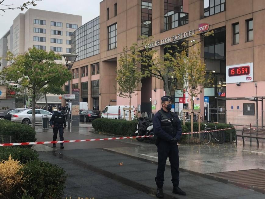 Lyon : la suspecte de l'alerte à la bombe de Part-Dieu hospitalisée