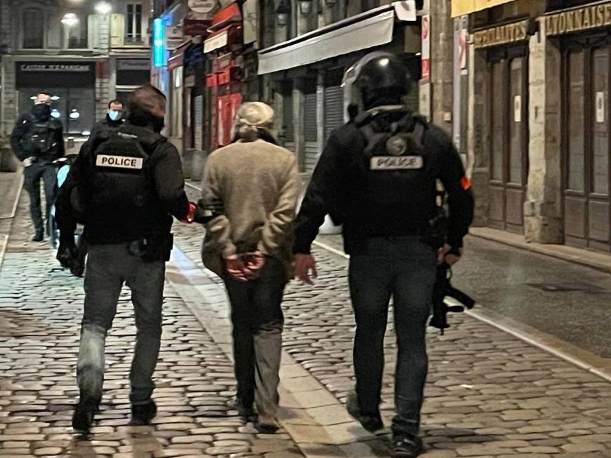 Lyon : un homme arrêté après avoir exhibé une carabine près de la place Bellecour