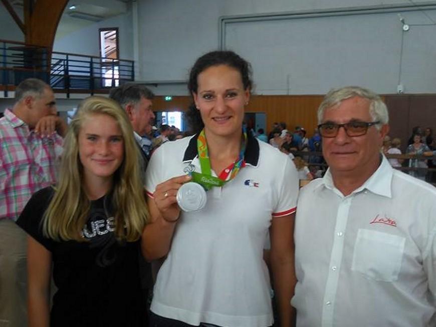 Mélina Robert-Michon, médaillée à Rio, accueillie en héroïne à l'aéroport de Lyon