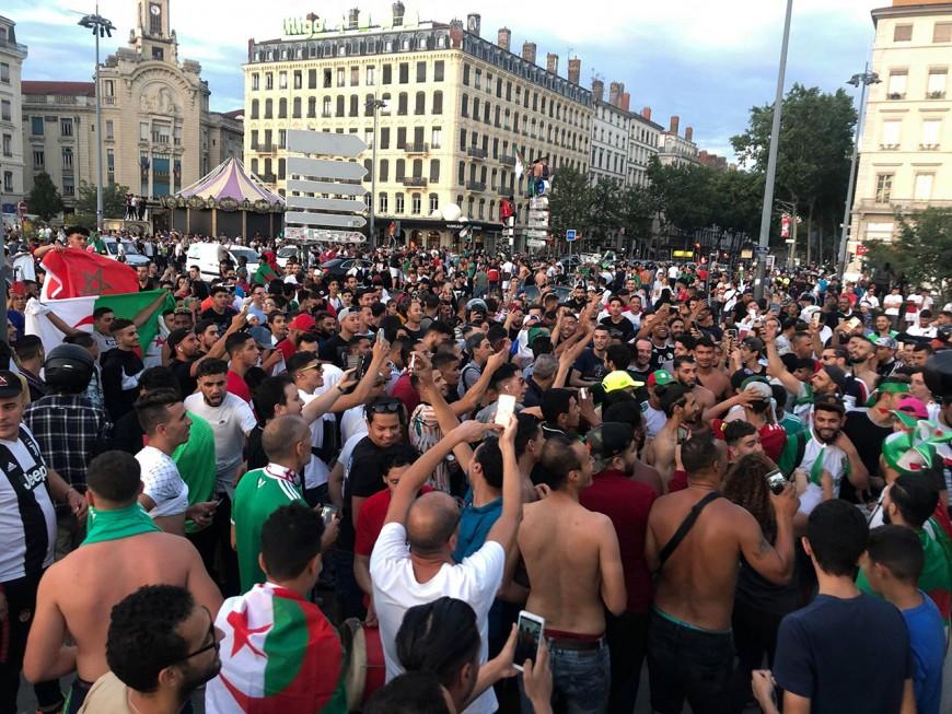 Lyon : après la victoire de l'Algérie, la Guillotière en ébullition