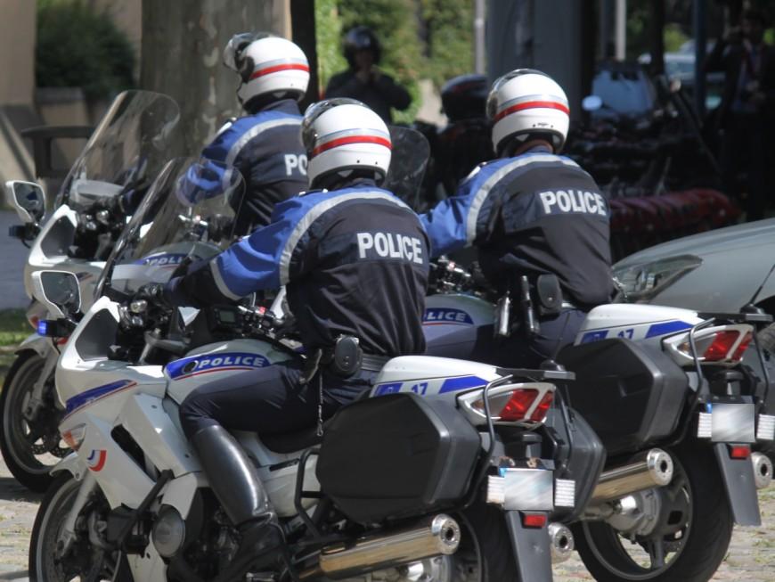 Lyon : deux jeunes amateurs de rodéos à moto écroués