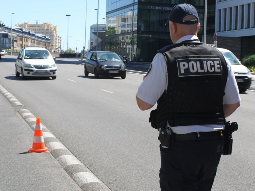 Un sexagénaire menace les policiers avec une carabine