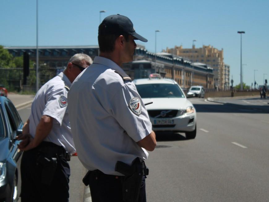 Lyon : le taxi pensait agresser un UberPop, il s'agissait en fait d'un policier