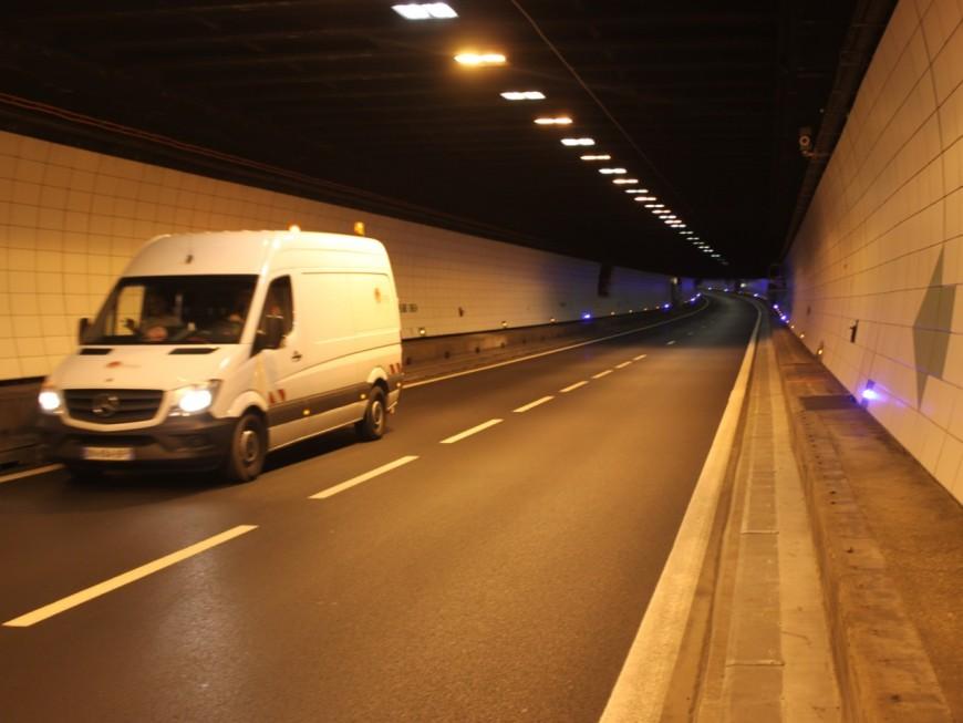 Lyon : les auto-stoppeurs traversent le tunnel sous Fourvière à pied !