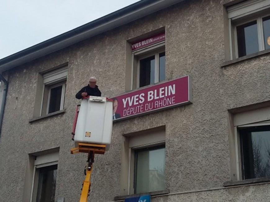 Législatives : Yves Blein et sa pancarte torpillés par Michèle Picard