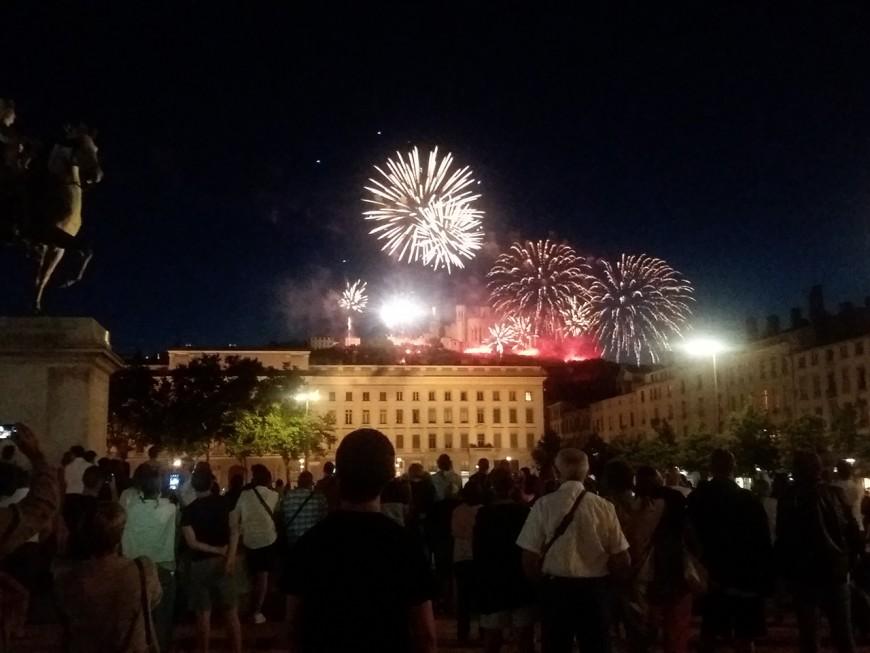 Les Lyonnais convaincus par le feu d'artifice du 14 juillet