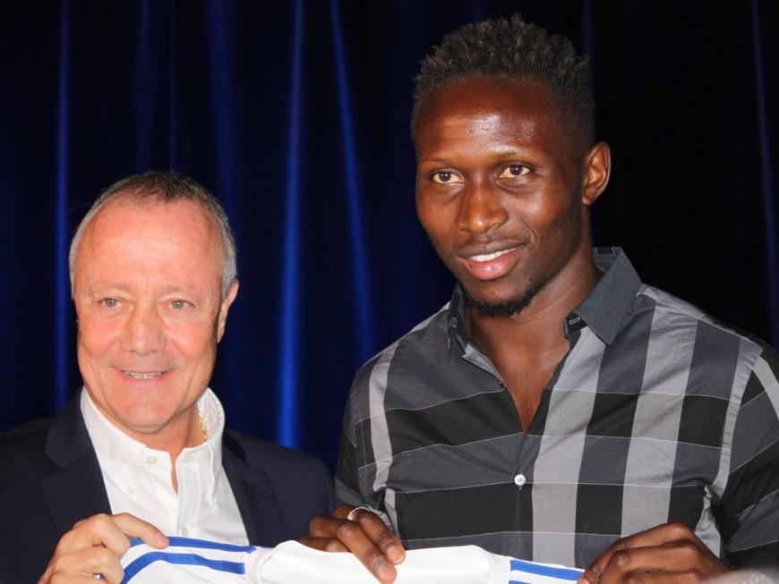 Mapou Yanga-Mbiwa (OL) pire joueur de la première moitié de saison selon l'Equipe