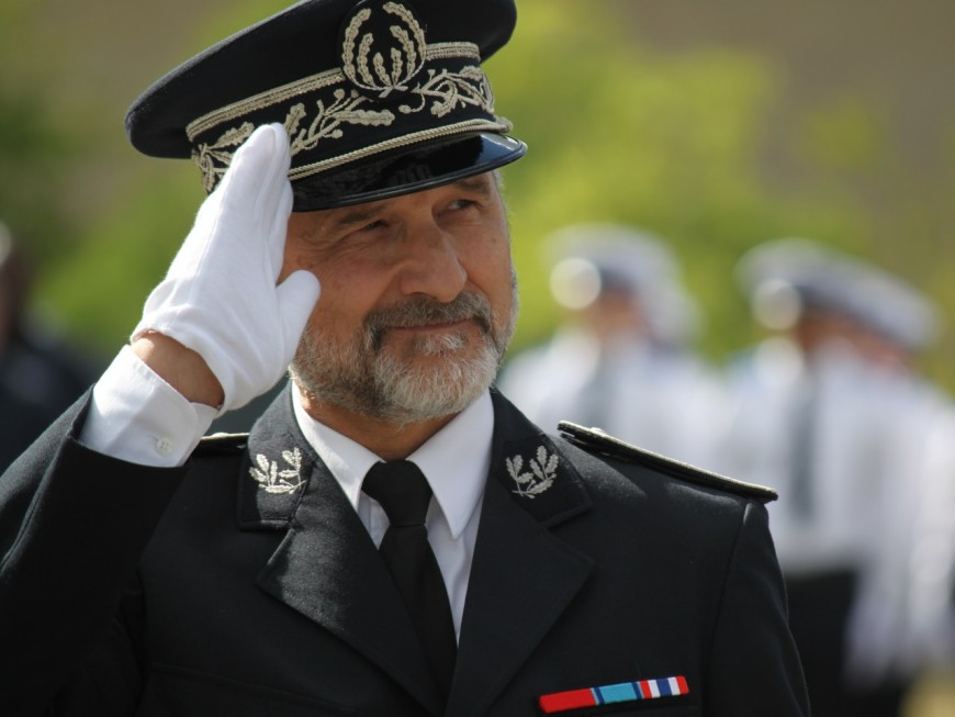 """Le patron de la police lyonnaise dément avoir insulté ses troupes de """"gueux"""""""