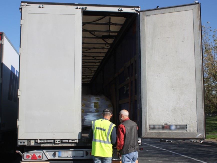 Coronavirus : 50% des camions à l'arrêt, les transporteurs routiers de la région en colère