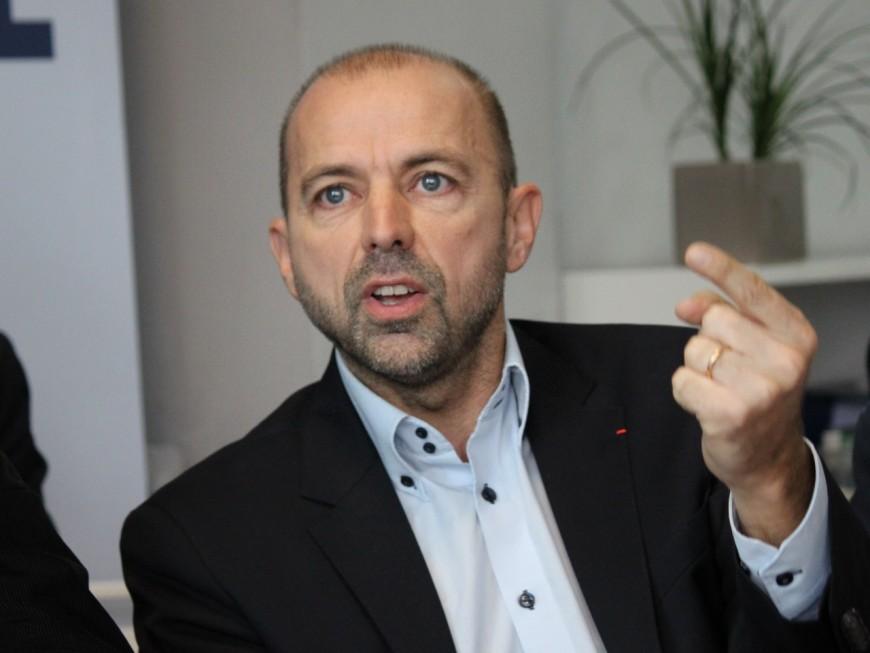 """Région : Debat réclame """"une clarification totale"""" de Wauquiez sur le cas Chabert"""