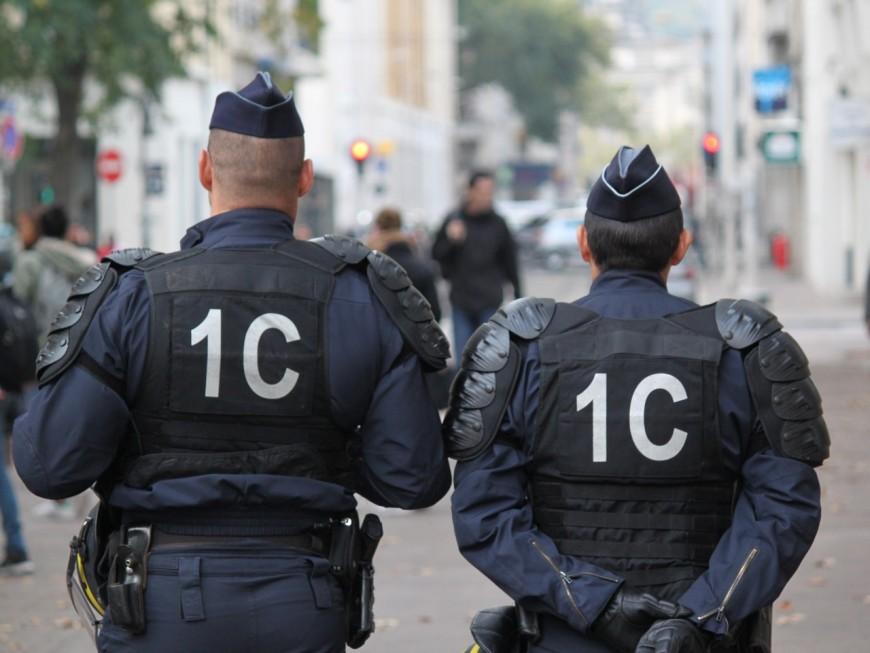 Vaulx-en-Velin : le blocage du lycée Doisneau vire à l'affrontement avec la police (Màj)