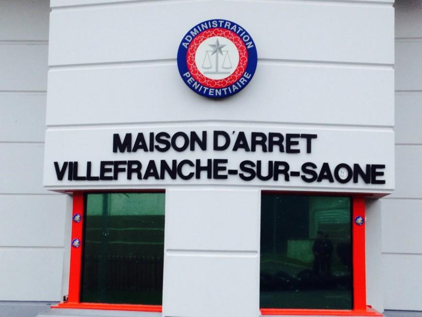 Villefranche-sur-Saône : un détenu s'intoxique en mettant le feu dans sa cellule