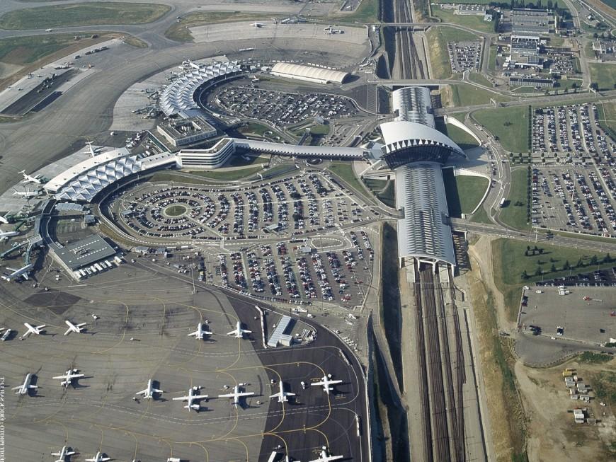 Les avitailleurs en carburant en grève à l'aéroport de Lyon