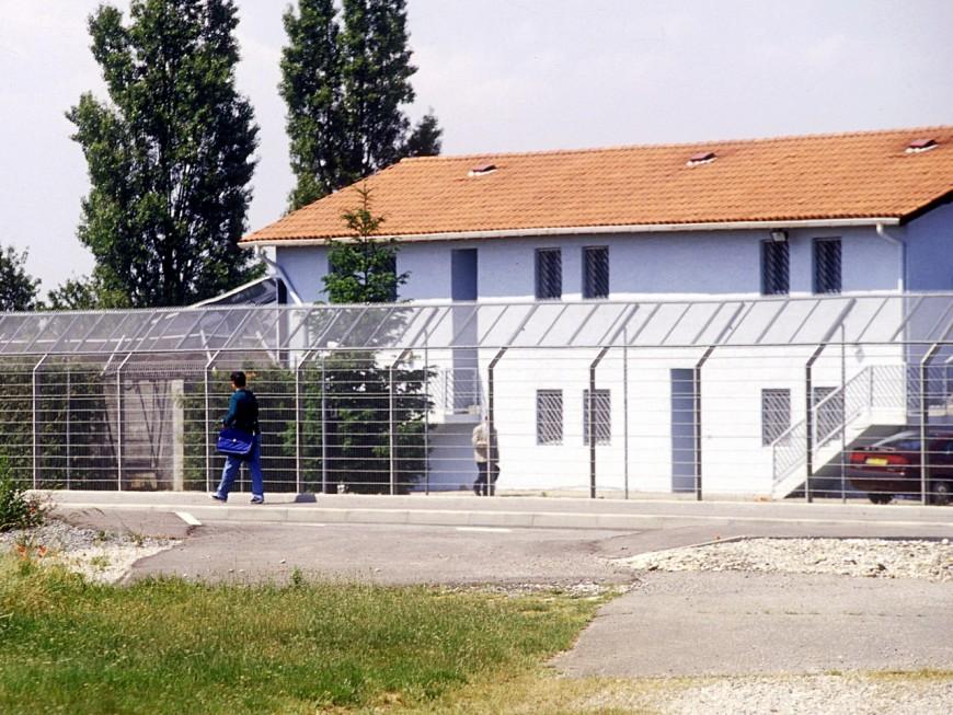 Un rassemblement ce mercredi devant le centre de rétention administrative de Lyon St Exupéry