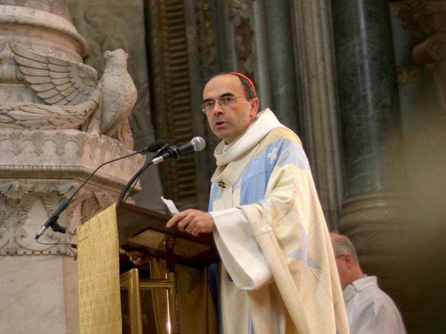 Le cardinal Barbarin a célébré une messe à Lyon, comme si de rien n'était
