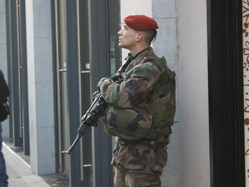 Militaires attaqués à Valence : le suspect originaire de Bron pas connu des services de police