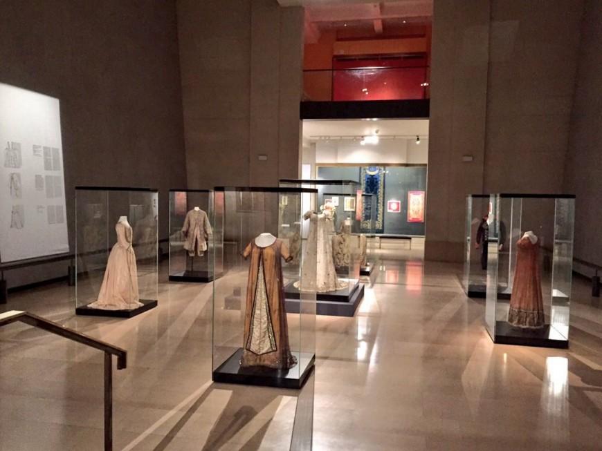 Norbert Dentressangle lorgne sur le Musée des tissus